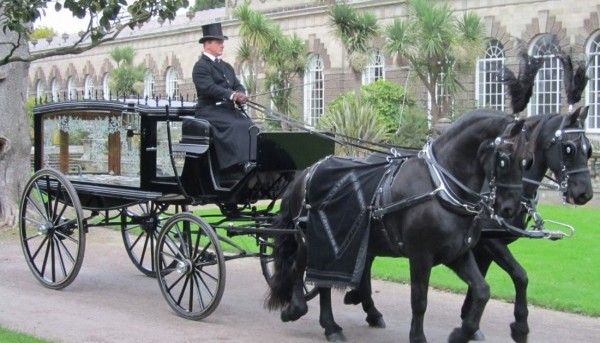 Funerals Cross Hands O G HARRIES HORSE CART